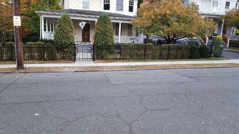 bronxvilee-aluminum-fence