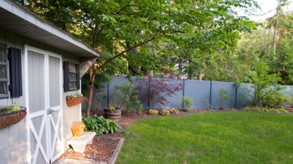 yorktown fence company - vinyl fence