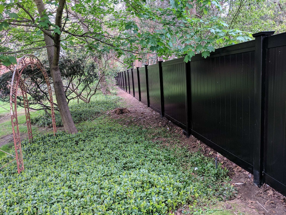 pelham vinyl fence installation